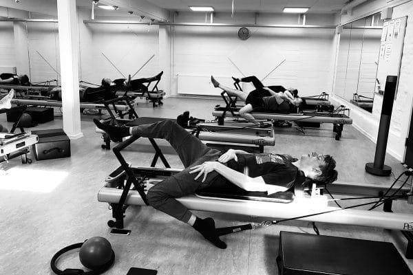 Reformer Stretch & Flexibility holdtræning hos Aalborg Pilates Studio.
